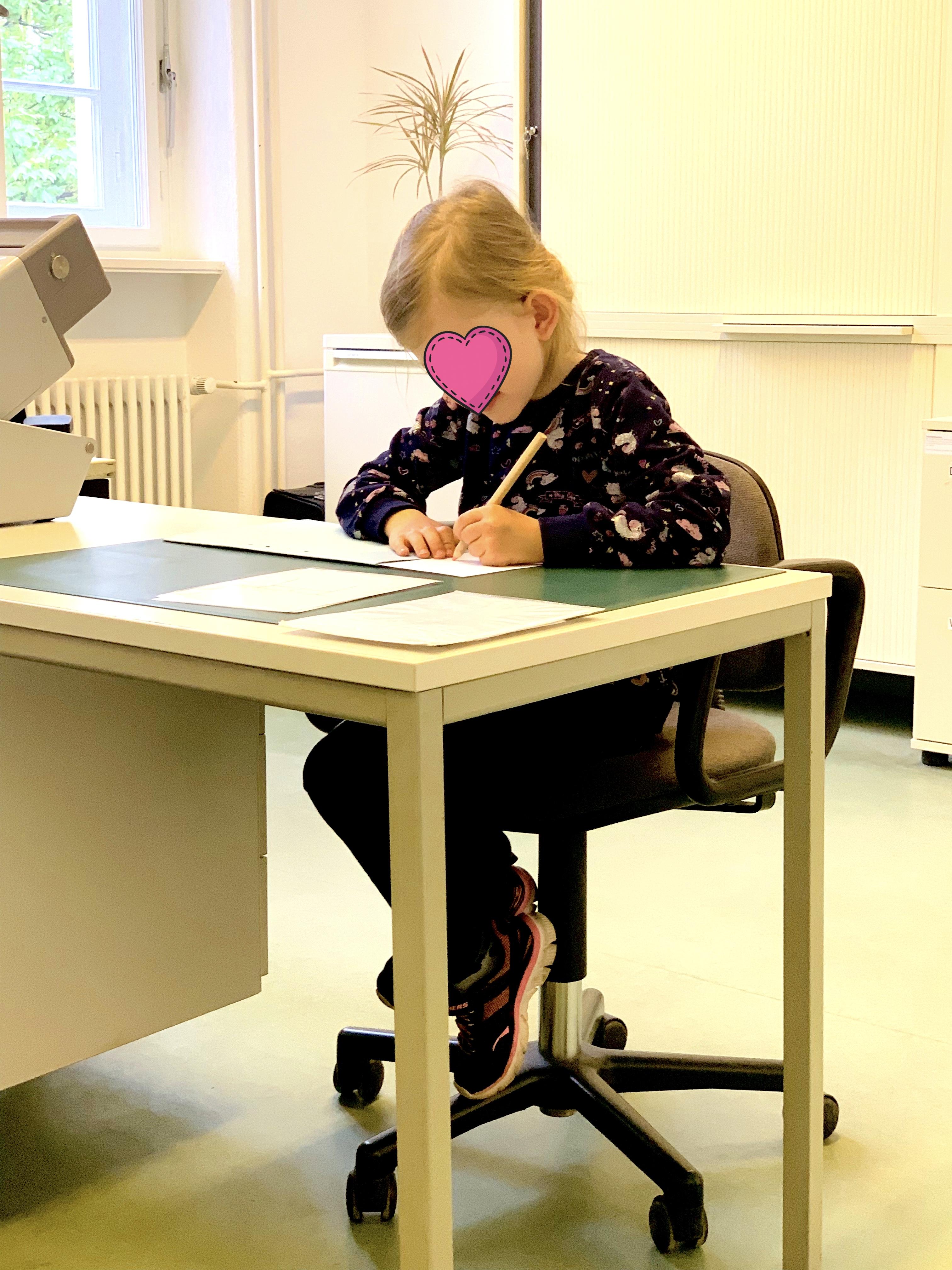10 schuluntersuchung Junge Mädchen